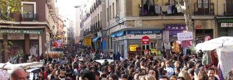 El rastro market scene
