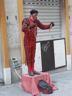 A distinctly latin flavoured piece of street theatre!