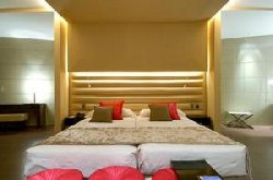 Madrid hotel bed