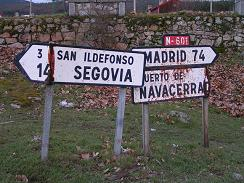 A typical Spanish roadsign from a smaller Madrid road.