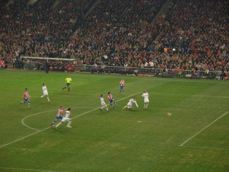 Atletico Madrid shoot wide