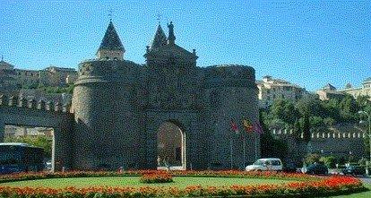 Toledo guide city wall