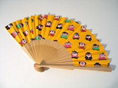 A typical Spanish hand fan
